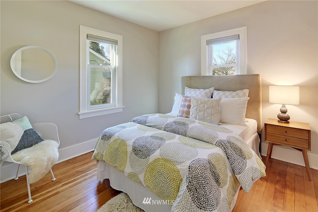 Sold Property   636 NW 75th Street Seattle, WA 98117 5