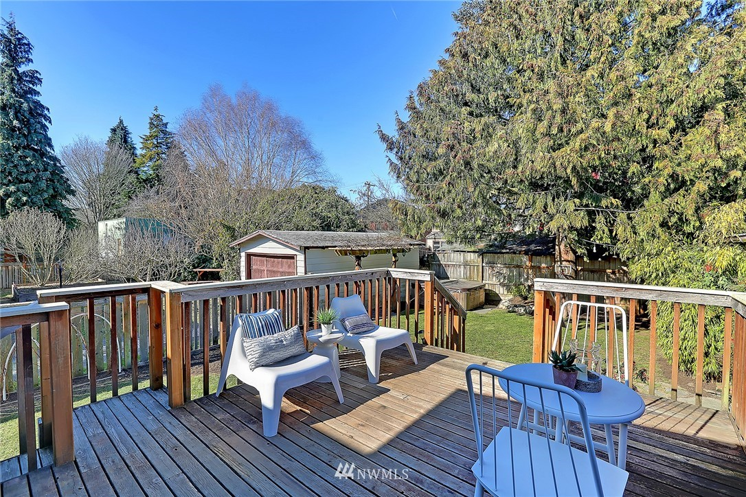 Sold Property   636 NW 75th Street Seattle, WA 98117 15