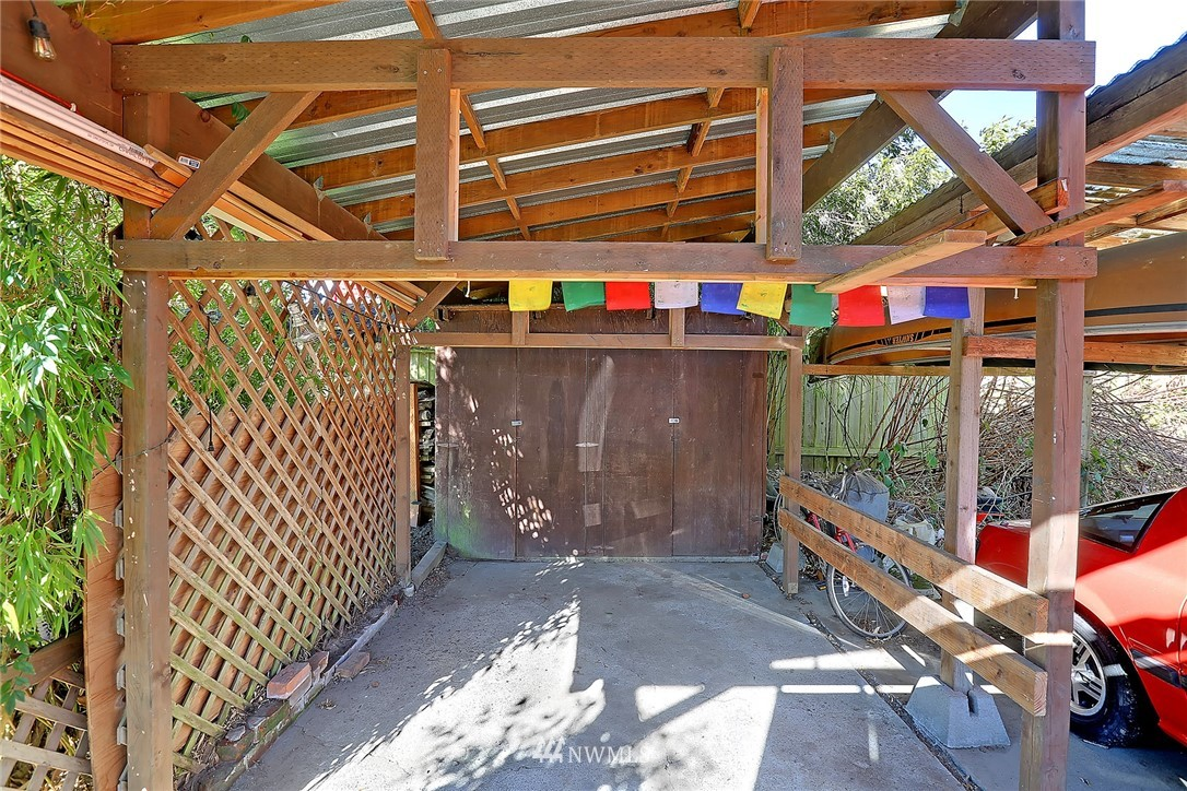 Sold Property   636 NW 75th Street Seattle, WA 98117 17
