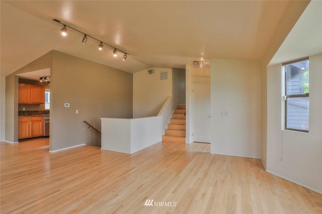 Sold Property | 718 26th Avenue E Seattle, WA 98112 2
