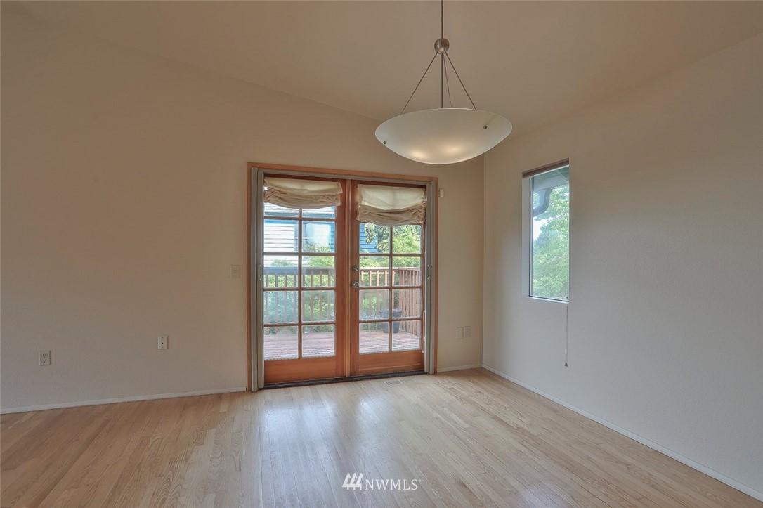 Sold Property | 718 26th Avenue E Seattle, WA 98112 5