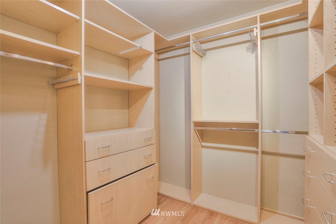 Sold Property | 718 26th Avenue E Seattle, WA 98112 10