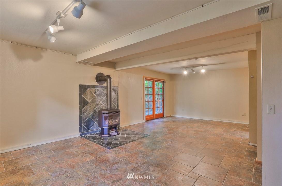 Sold Property | 718 26th Avenue E Seattle, WA 98112 16