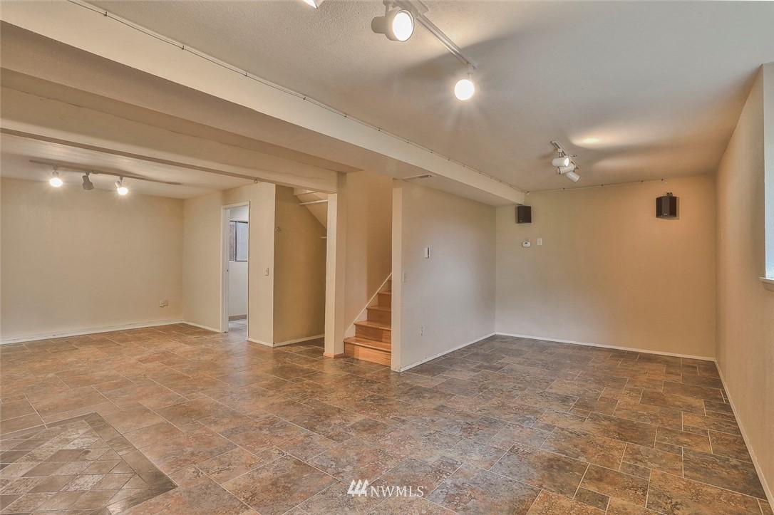 Sold Property | 718 26th Avenue E Seattle, WA 98112 17