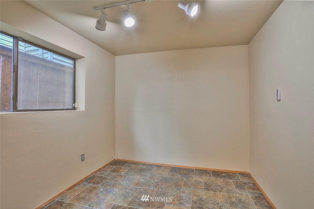 Sold Property | 718 26th Avenue E Seattle, WA 98112 18