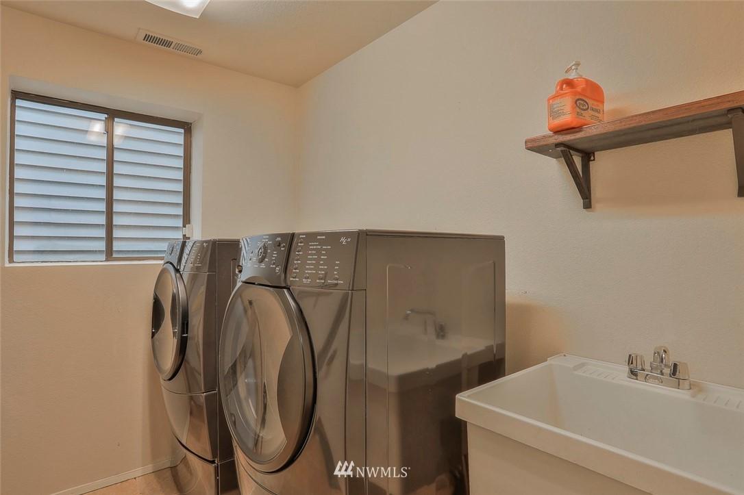Sold Property | 718 26th Avenue E Seattle, WA 98112 19
