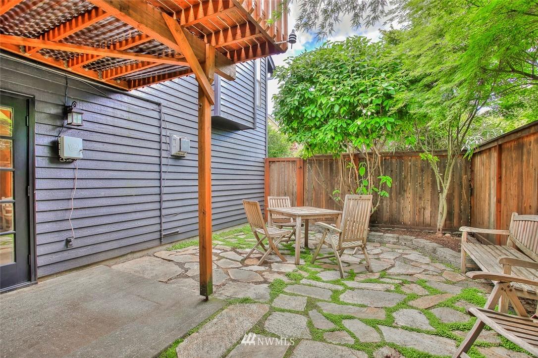 Sold Property | 718 26th Avenue E Seattle, WA 98112 21