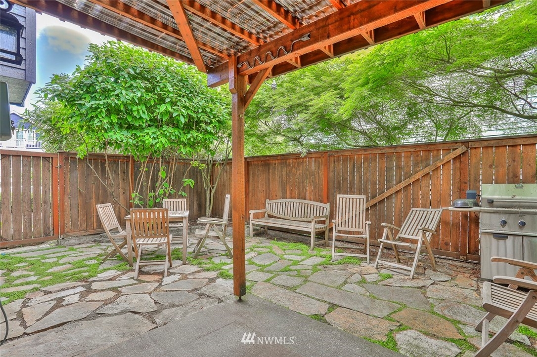 Sold Property | 718 26th Avenue E Seattle, WA 98112 22