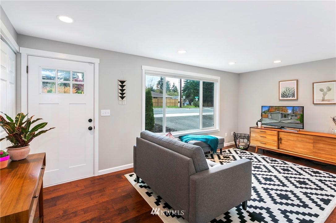 Sold Property | 15920 52nd Avenue W Edmonds, WA 98026 3