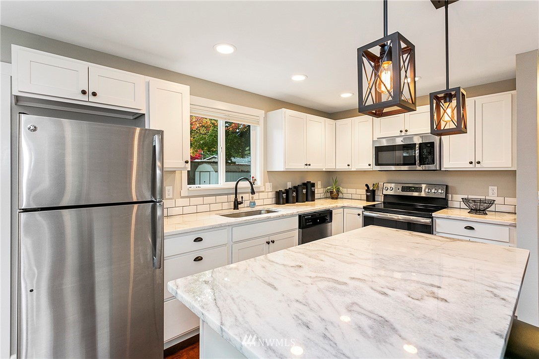 Sold Property | 15920 52nd Avenue W Edmonds, WA 98026 6
