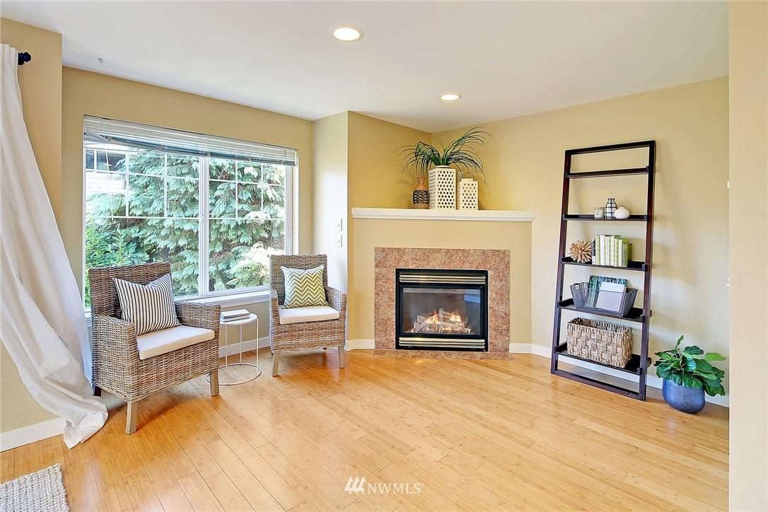 Sold Property   8518 Midvale Avenue N #B Seattle, WA 98103 5