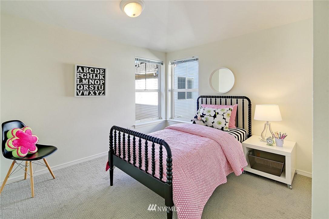 Sold Property   8518 Midvale Avenue N #B Seattle, WA 98103 12