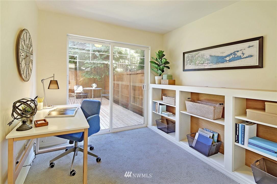 Sold Property   8518 Midvale Avenue N #B Seattle, WA 98103 14