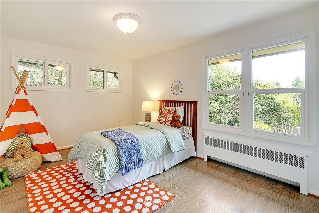 Sold Property | 6046 53rd Avenue NE Seattle, WA 98115 7