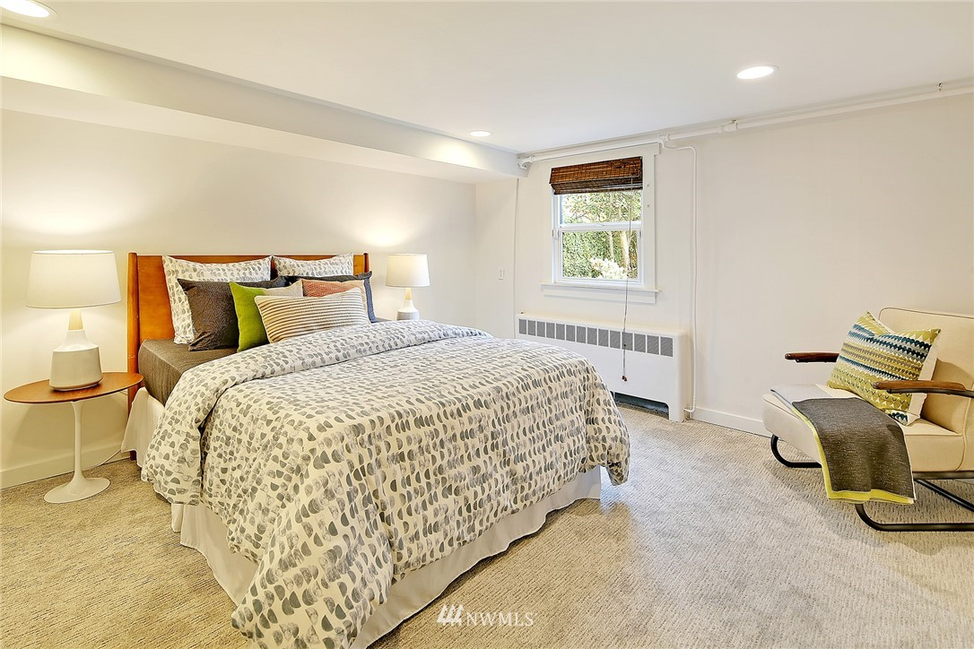 Sold Property | 6046 53rd Avenue NE Seattle, WA 98115 17