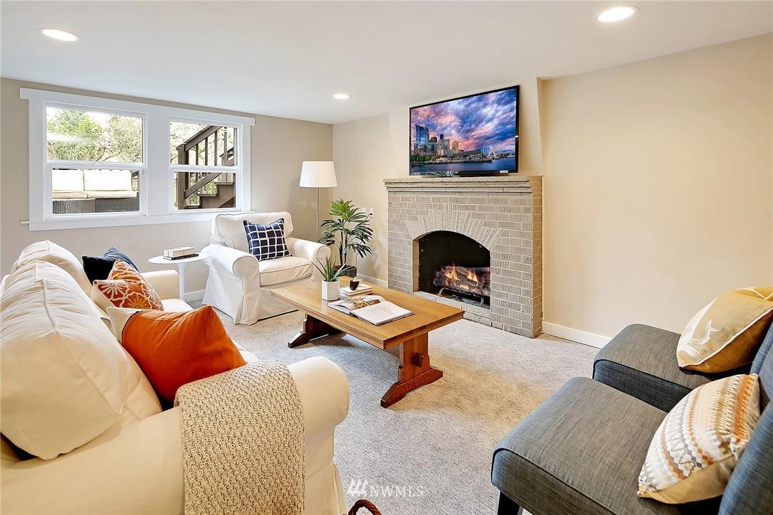 Sold Property | 6046 53rd Avenue NE Seattle, WA 98115 15