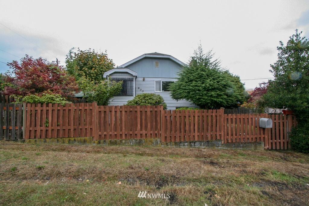 Sold Property   900 N 102nd Street Seattle, WA 98133 1