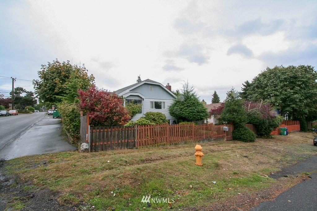 Sold Property   900 N 102nd Street Seattle, WA 98133 2