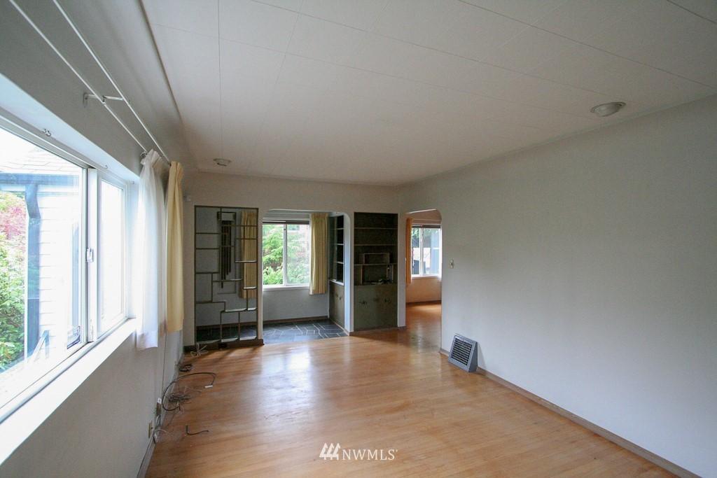 Sold Property   900 N 102nd Street Seattle, WA 98133 3