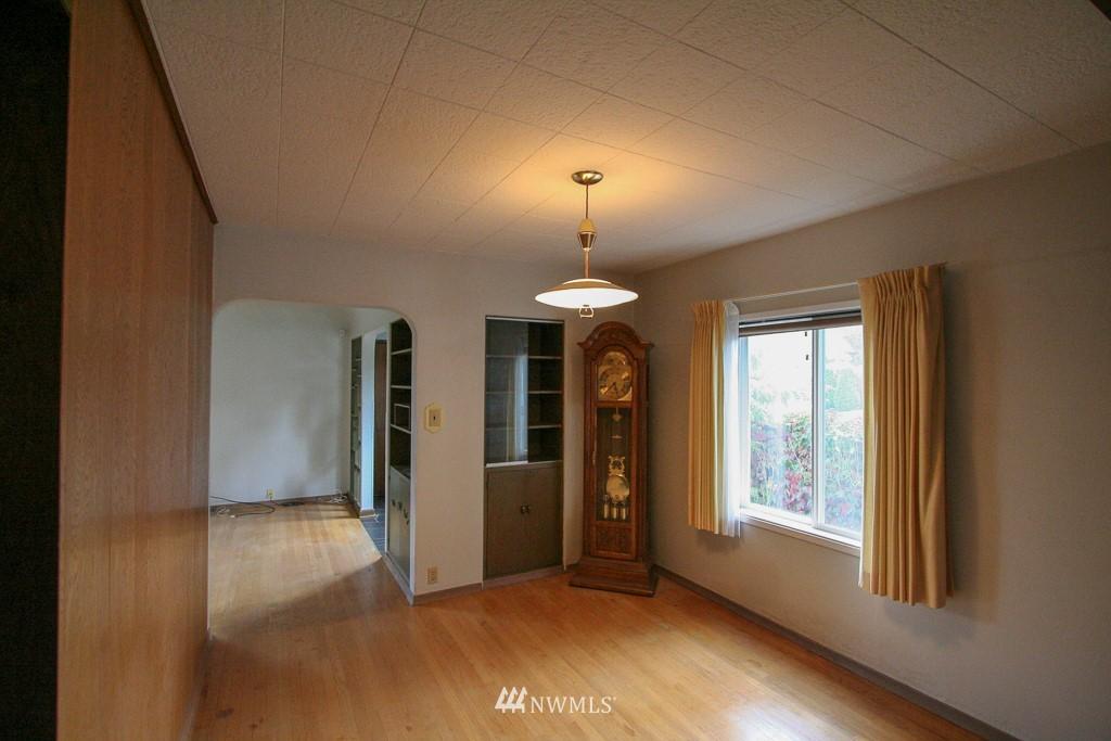 Sold Property   900 N 102nd Street Seattle, WA 98133 5