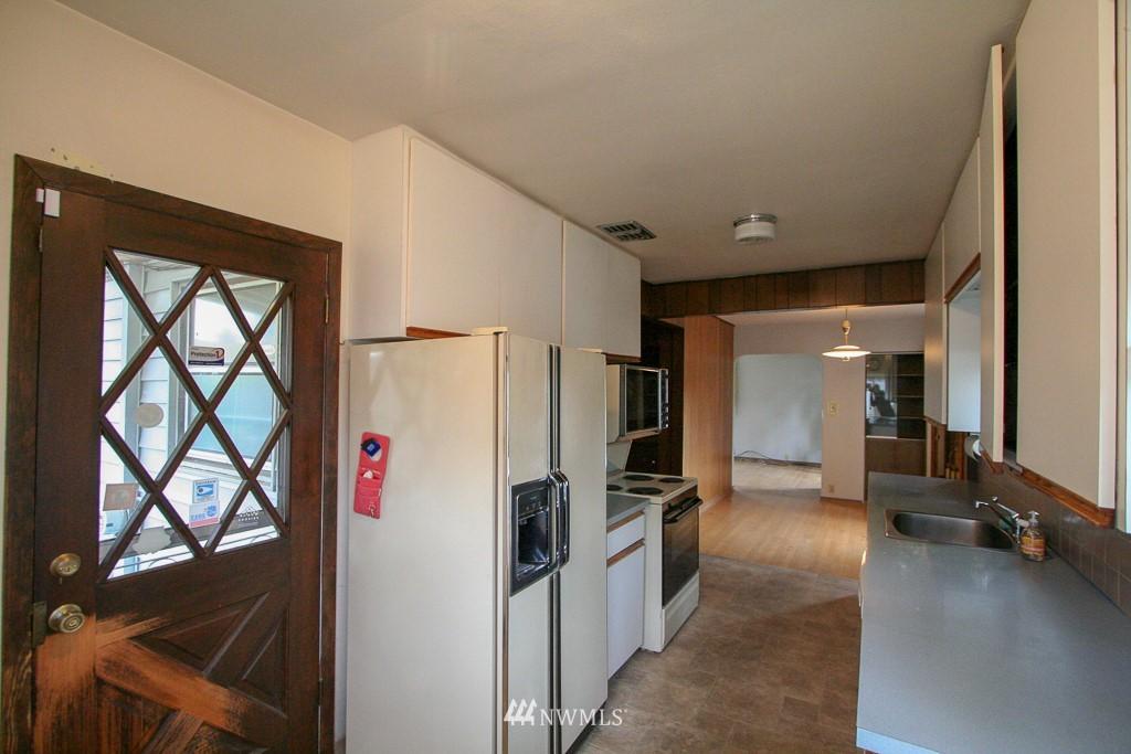 Sold Property   900 N 102nd Street Seattle, WA 98133 8