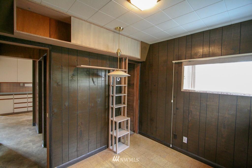 Sold Property   900 N 102nd Street Seattle, WA 98133 10