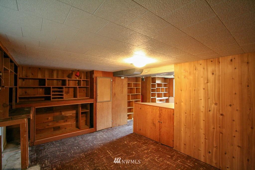 Sold Property   900 N 102nd Street Seattle, WA 98133 13
