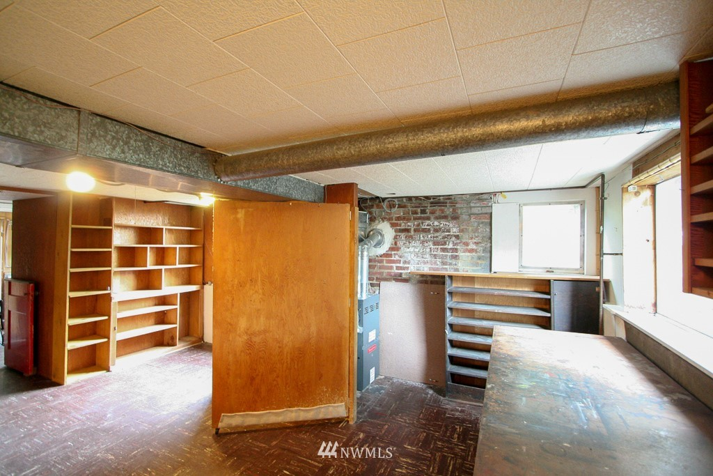 Sold Property   900 N 102nd Street Seattle, WA 98133 14
