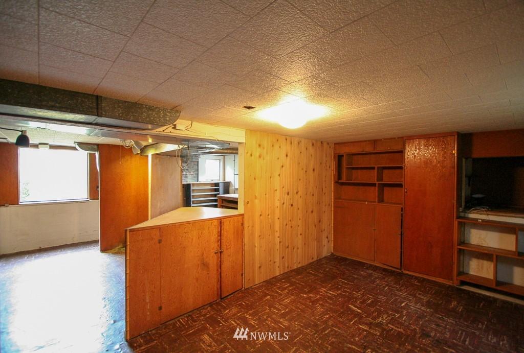 Sold Property   900 N 102nd Street Seattle, WA 98133 16
