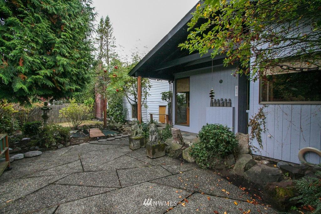 Sold Property   900 N 102nd Street Seattle, WA 98133 21