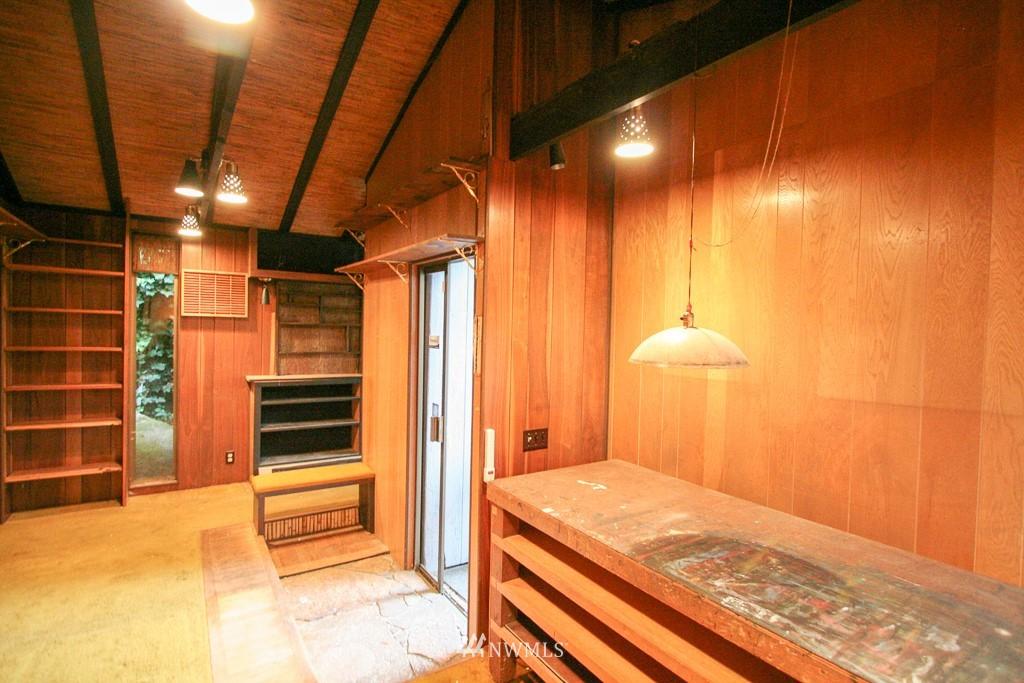 Sold Property   900 N 102nd Street Seattle, WA 98133 22