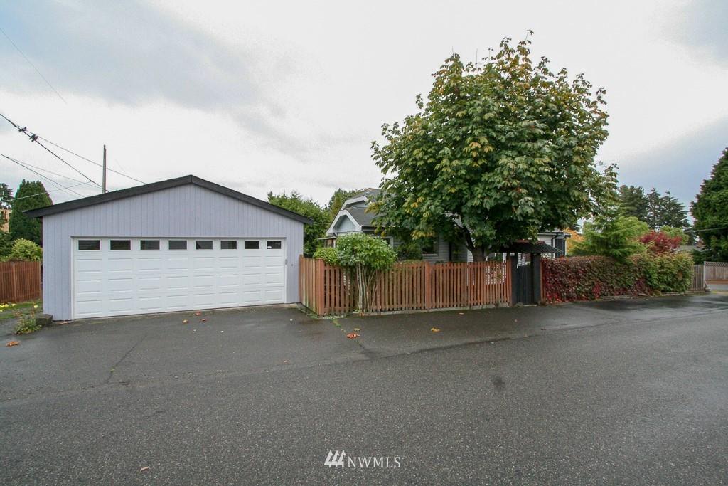 Sold Property   900 N 102nd Street Seattle, WA 98133 0