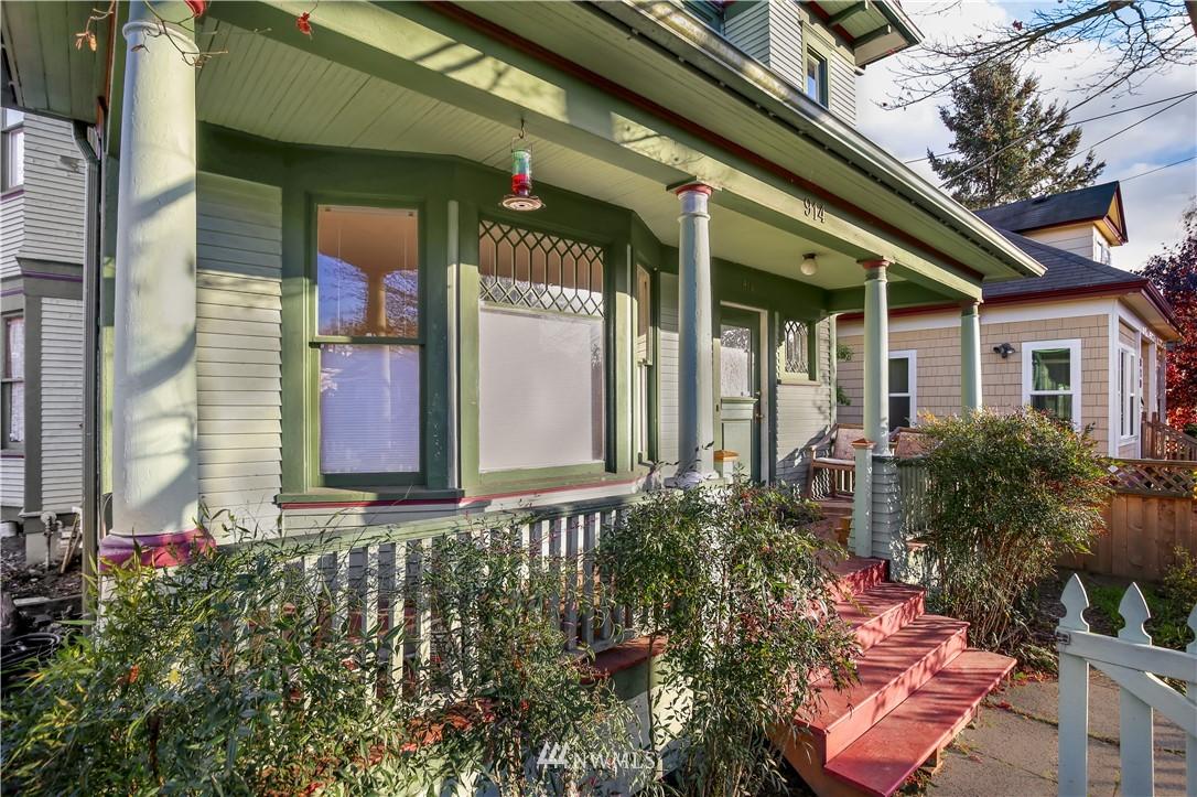 Sold Property   914 24th Avenue S Seattle, WA 98144 2