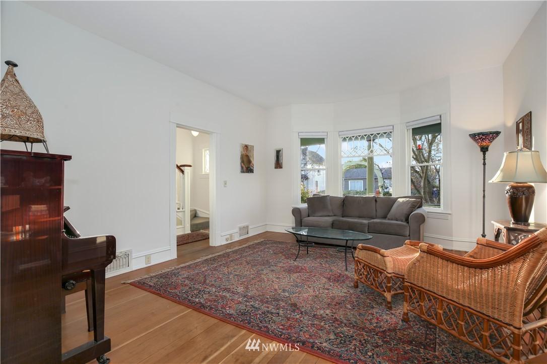 Sold Property   914 24th Avenue S Seattle, WA 98144 3