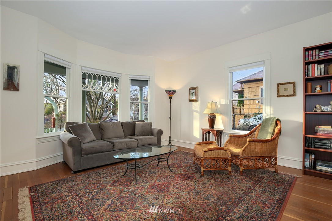 Sold Property   914 24th Avenue S Seattle, WA 98144 4