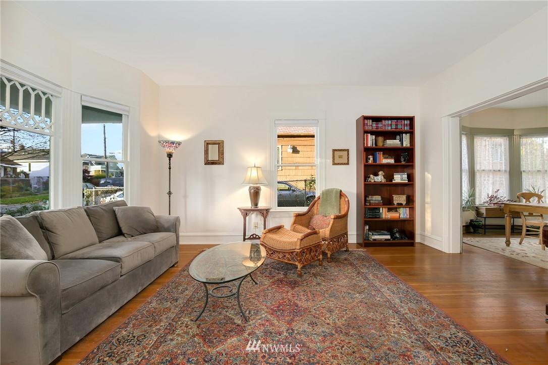 Sold Property   914 24th Avenue S Seattle, WA 98144 5