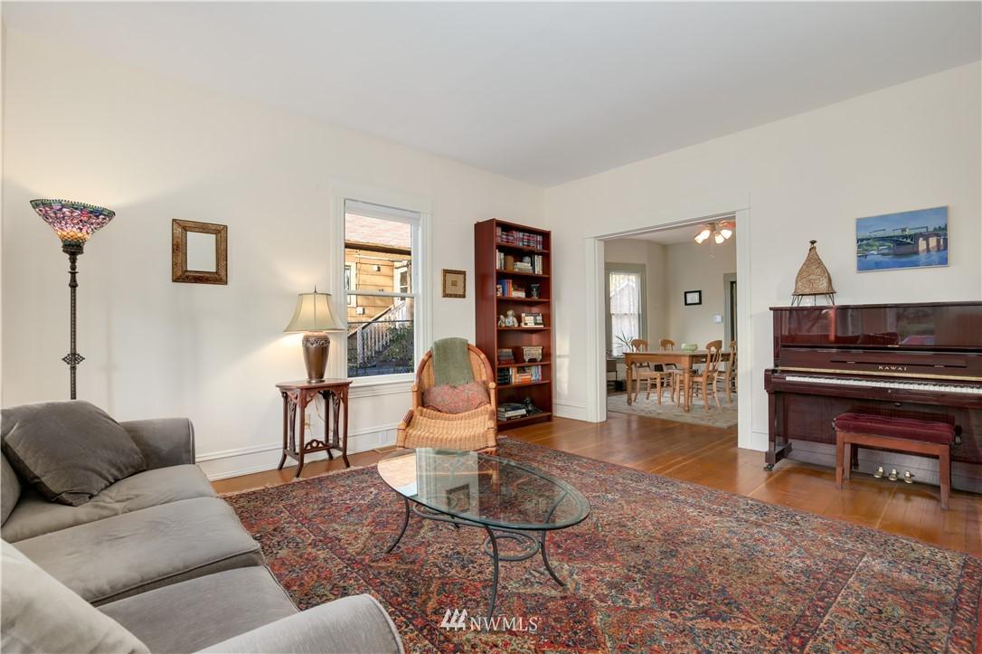 Sold Property   914 24th Avenue S Seattle, WA 98144 6