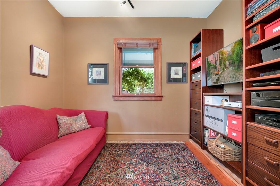 Sold Property   914 24th Avenue S Seattle, WA 98144 9