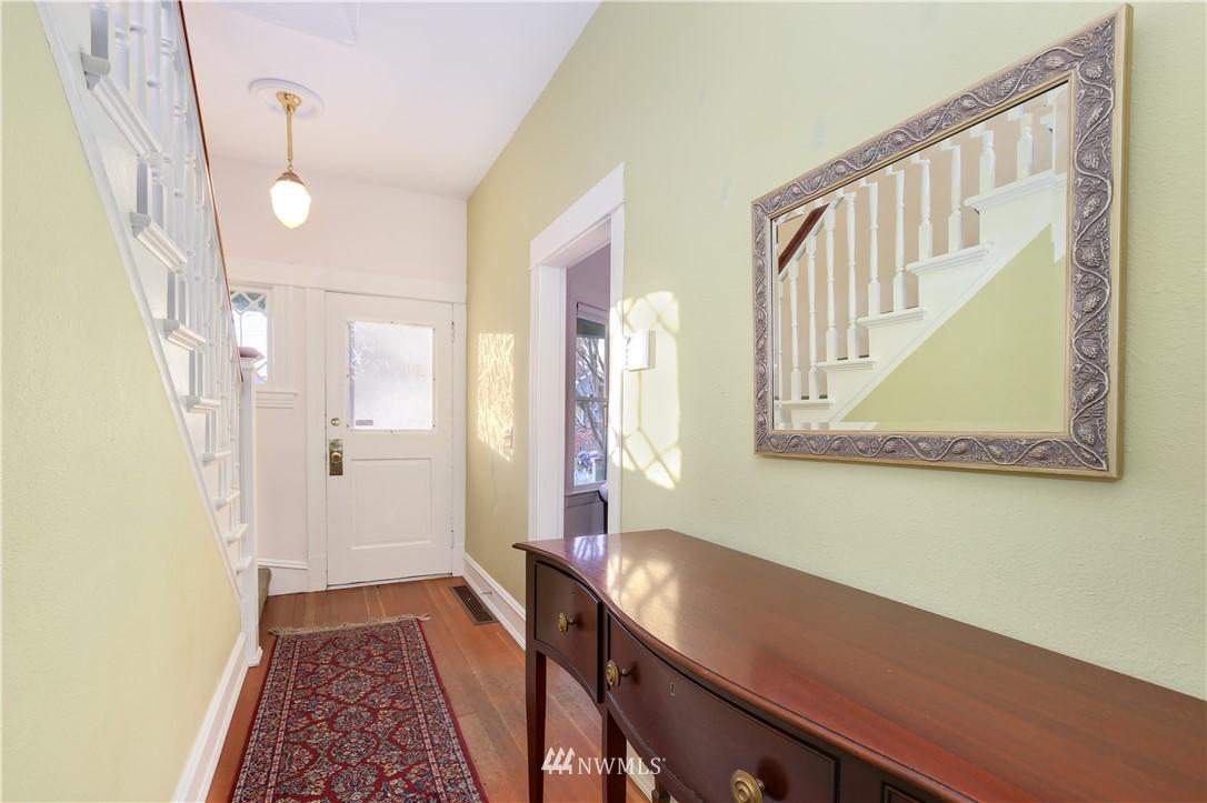 Sold Property   914 24th Avenue S Seattle, WA 98144 14