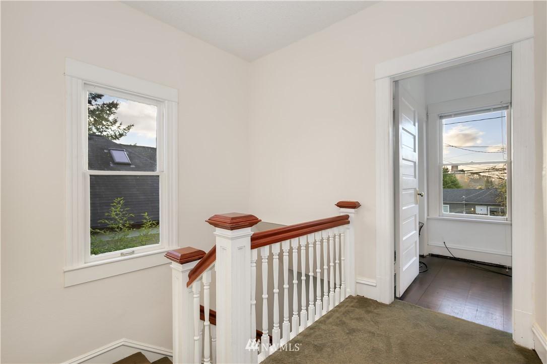 Sold Property   914 24th Avenue S Seattle, WA 98144 15