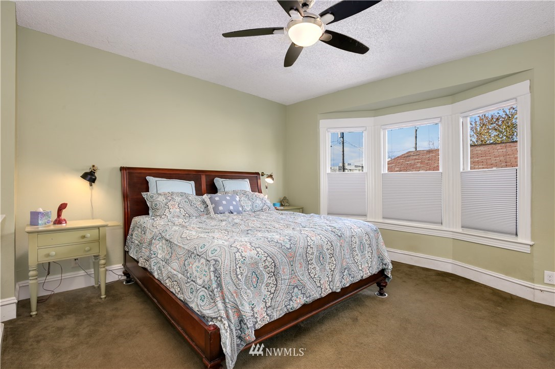 Sold Property   914 24th Avenue S Seattle, WA 98144 16