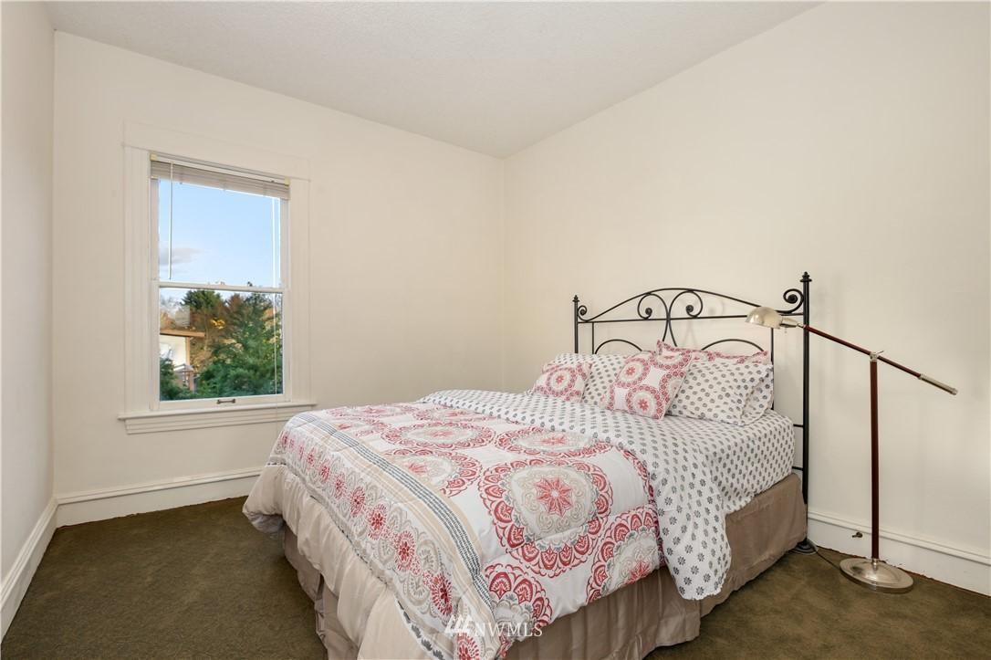 Sold Property   914 24th Avenue S Seattle, WA 98144 20