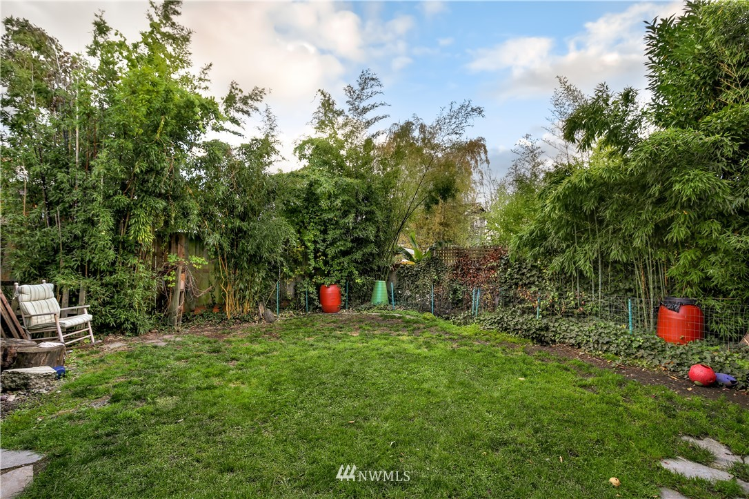 Sold Property   914 24th Avenue S Seattle, WA 98144 22