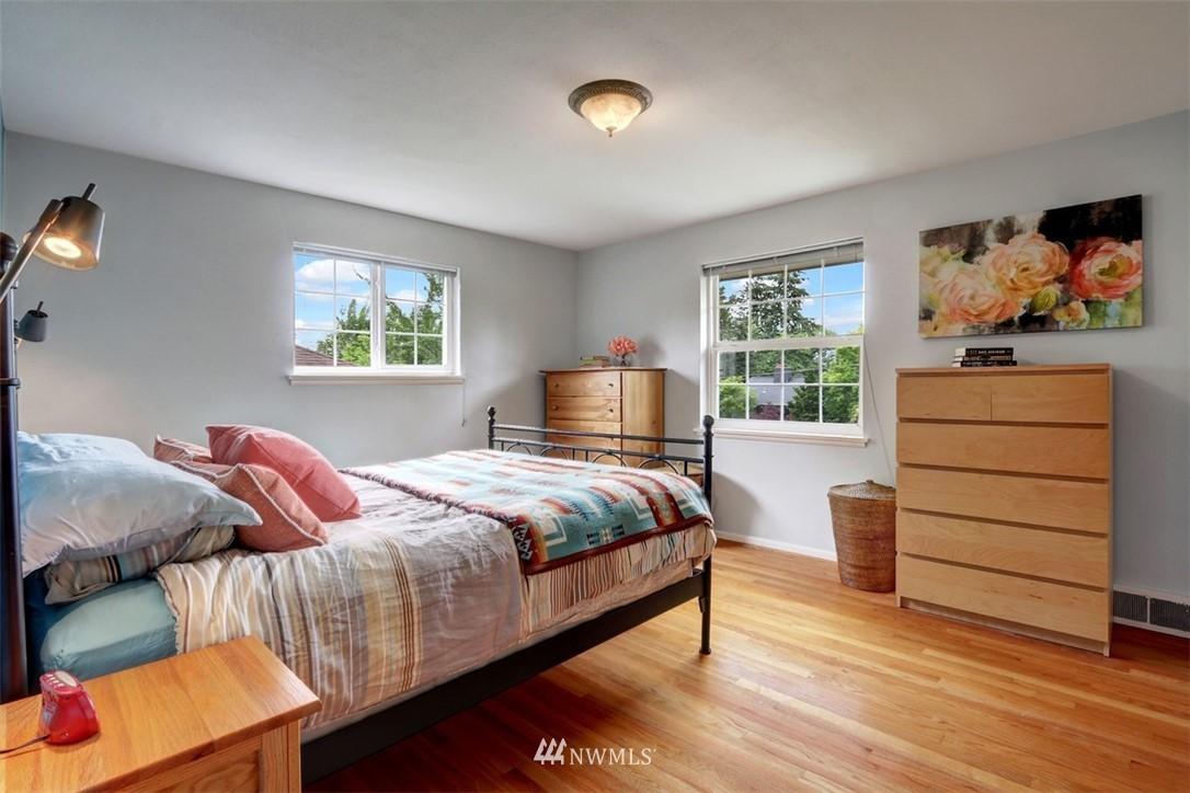 Sold Property   6826 43rd Avenue NE Seattle, WA 98115 8