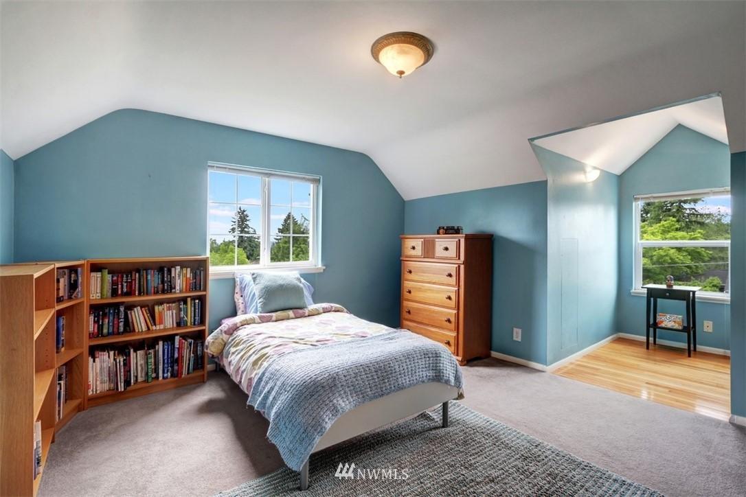 Sold Property   6826 43rd Avenue NE Seattle, WA 98115 10