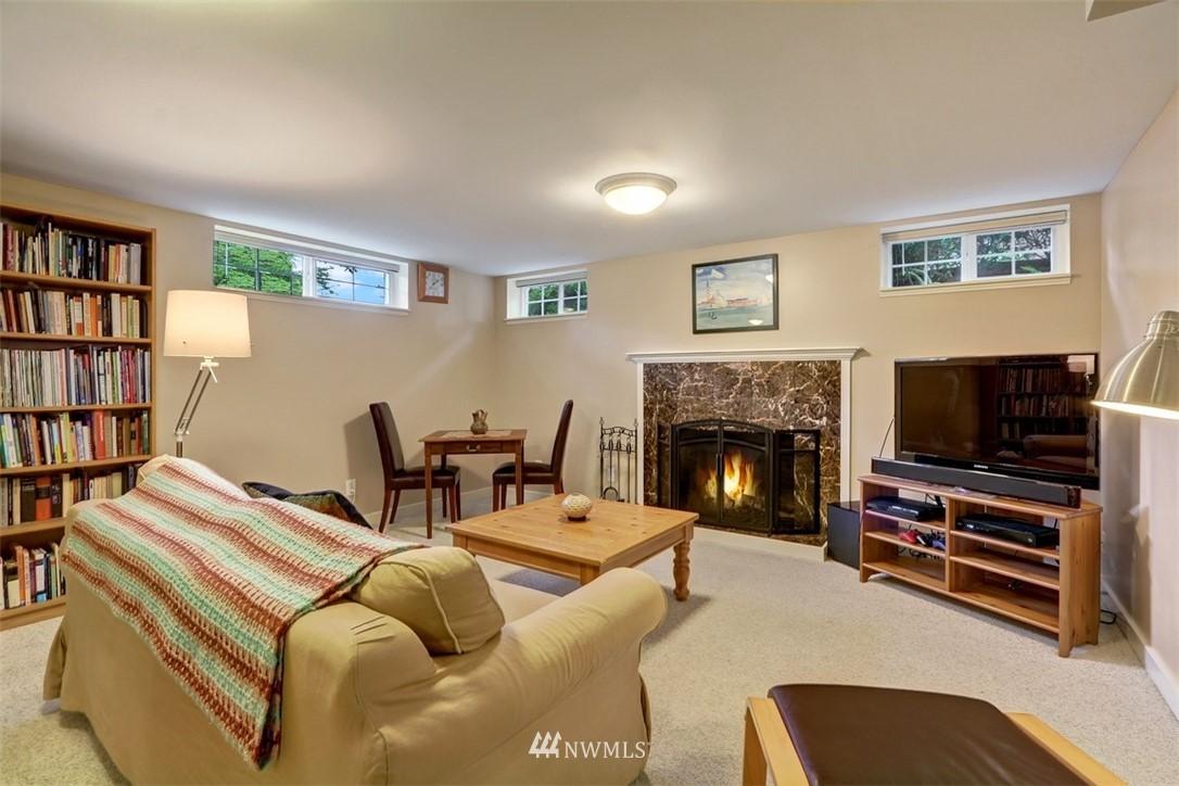 Sold Property   6826 43rd Avenue NE Seattle, WA 98115 14