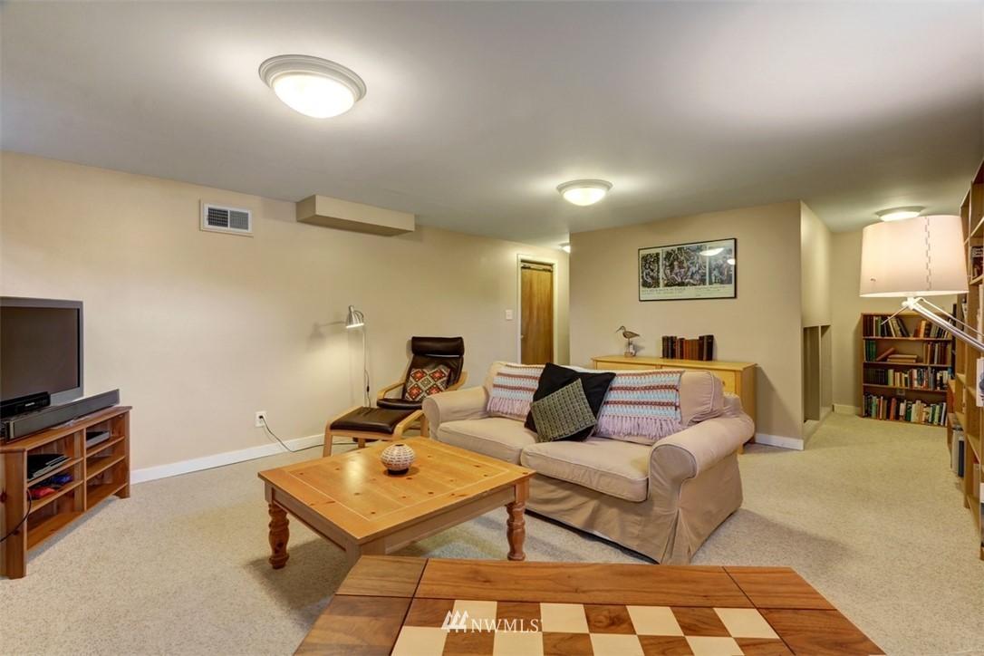 Sold Property   6826 43rd Avenue NE Seattle, WA 98115 15