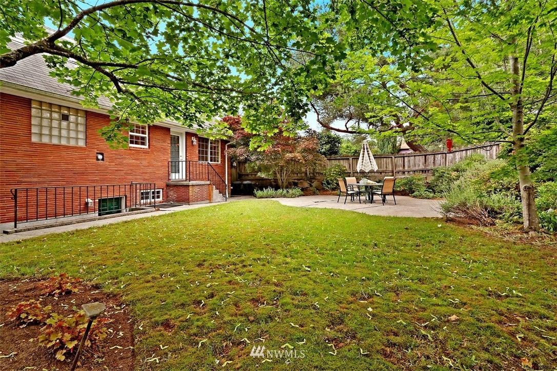 Sold Property   6826 43rd Avenue NE Seattle, WA 98115 16