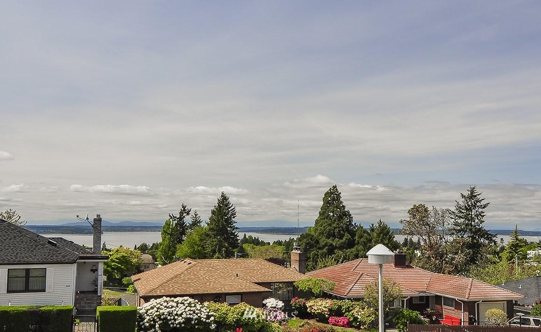 Sold Property | 6618 39th Avenue SW Seattle, WA 98136 4