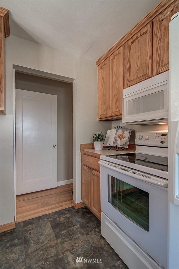 Sold Property | 6618 39th Avenue SW Seattle, WA 98136 11